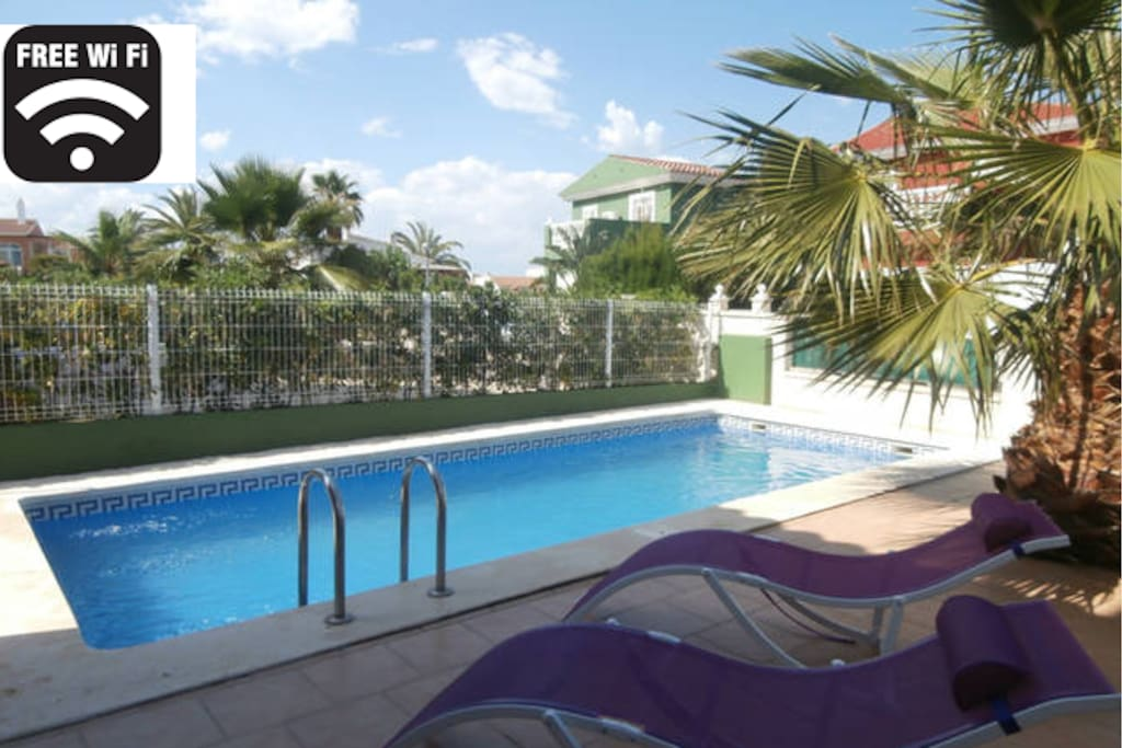 Preciosa casa con piscina privada villas en alquiler en for Camping con piscina climatizada en comunidad valenciana