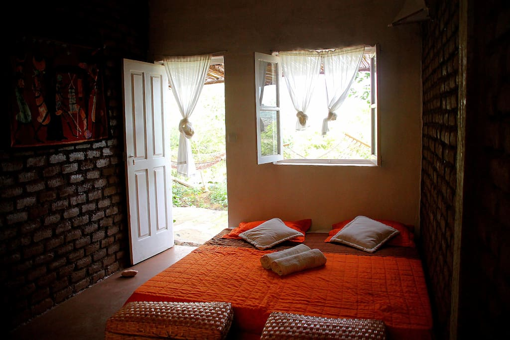 Large and comfortable bed, perfect to sleep in total silence of the countryside.
