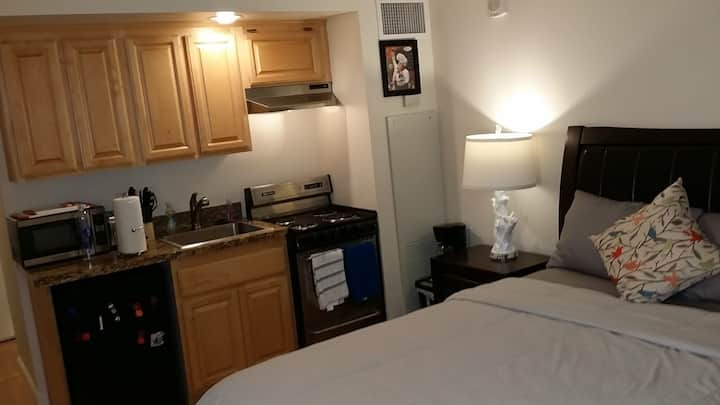 Reno Downtown Lux Studio#B, WiFi/Pool/Fitness/Club