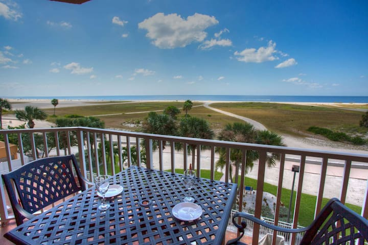 Located on a Perfect Section of Beach, Close to Everything! Year-Round Heated Pool & Hot Tub.