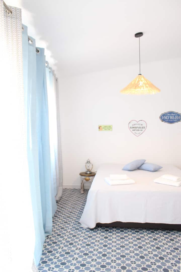 Casa Esparto, Charming Studio in a Quaint Village