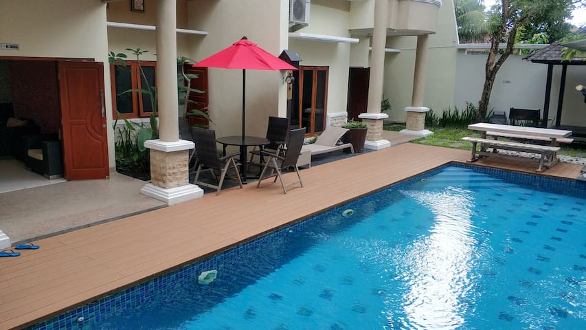 Private Villa 4BR+3BR with Pool & Karaoke