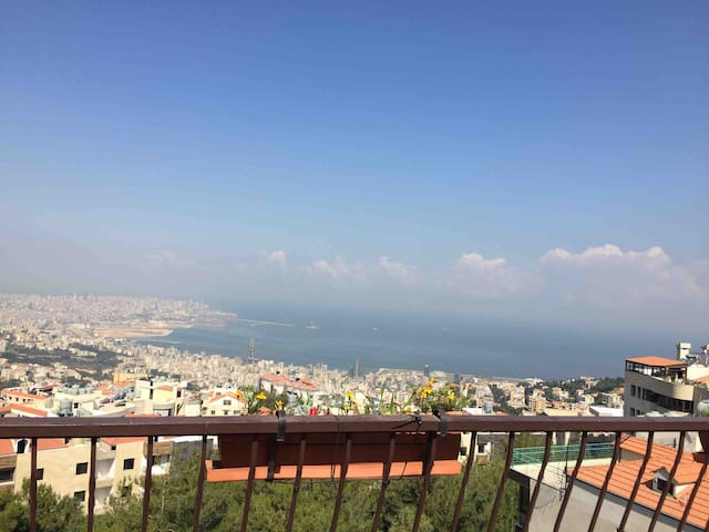 Charming Rooftop Loft in Rabweh with terrace
