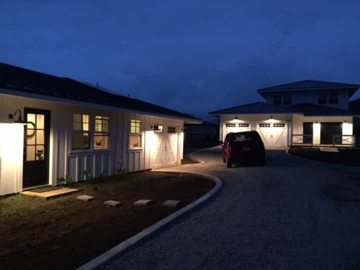 5BR/4BA Poipu Farmhouse Style