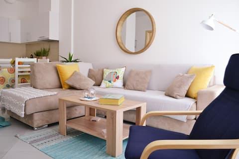 E&E Home - Stylish 2 BR Apt at Lura 2 Beach Resort