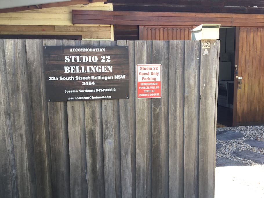 We looking for Studio 22 you will find this sign on the fence. Easy private parking right in front of the studio.