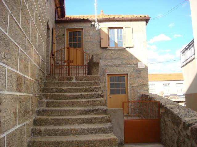 Casa do Serradouro - Maçaínhas Belmonte  - Talo