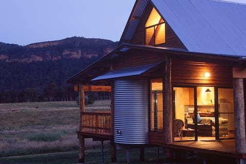 BLUE MTS VIEWS @ ECO WOOLSHED 3bdrm