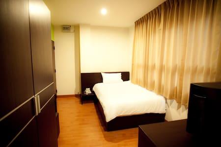 Single Bed room - Bangkok