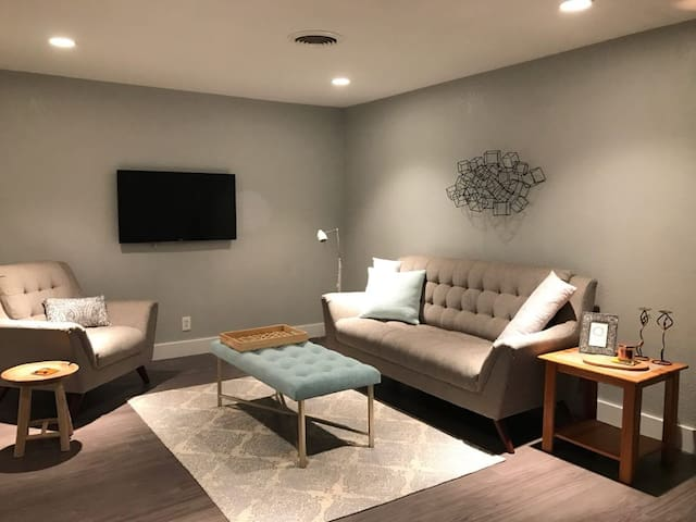 Keep it Simple w/2Bed, 1Bath, PS4