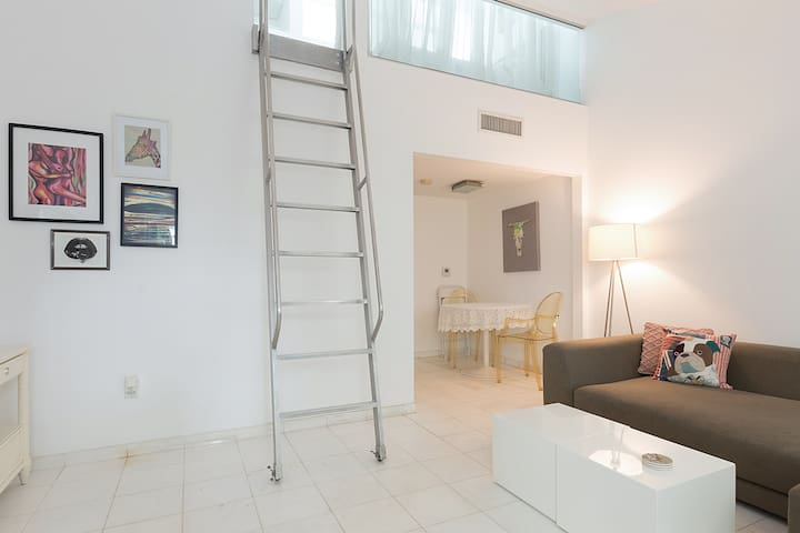 Unique Loft Style 2 Bed South Beach SOUTH OF FIFTH - Miami Beach - Dům