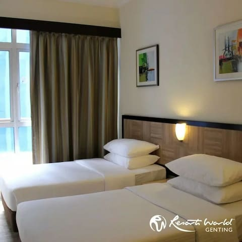 First World Standard Room@ Tower 1 (price -- 8~8%)