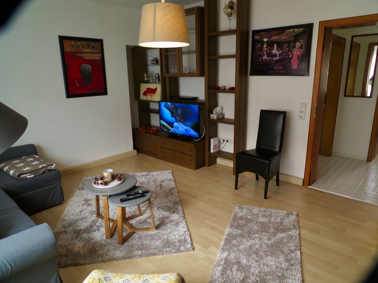 Wohnraum verfügt über TV und Lan Anschluss