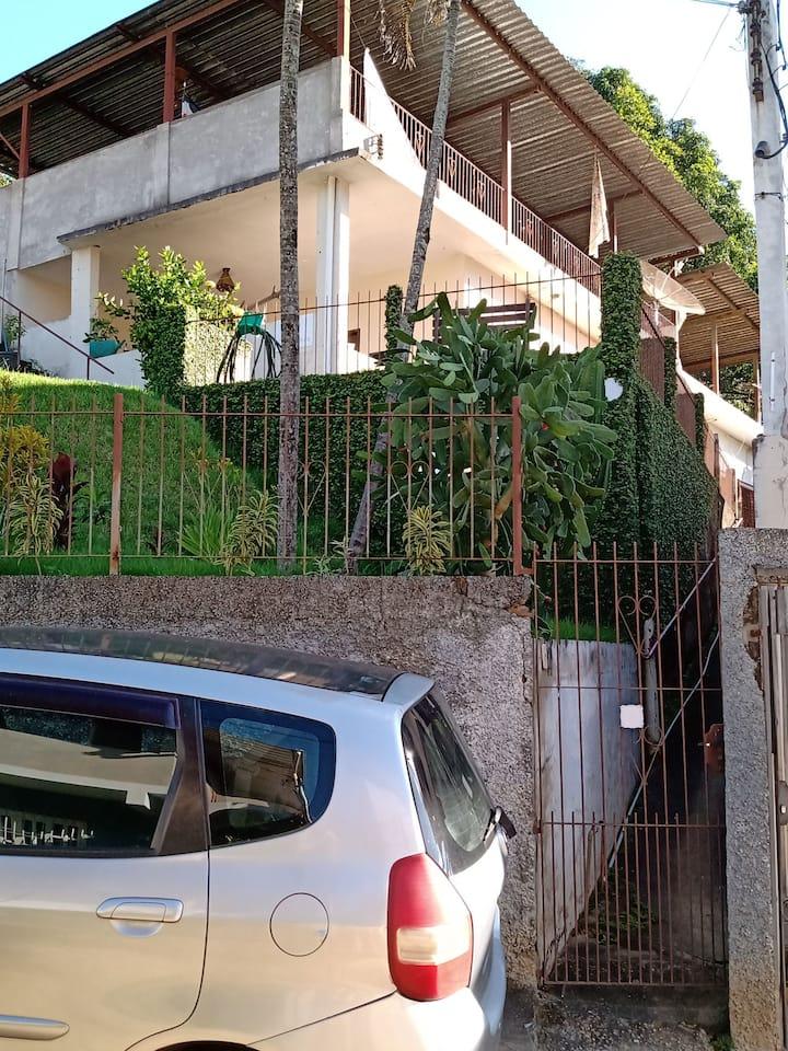 Em Cataguases, ambiente familiar ótima localização