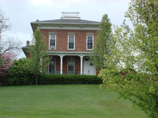 Beautiful Historic Home, Keuka Lake, Finger Lakes - Branchport - Rumah