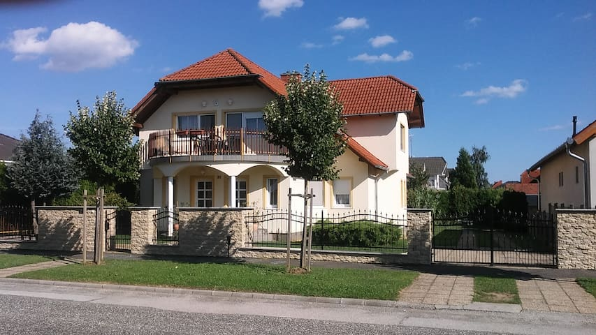 Studio Apartment für 2-4 Personen - Bük - Holiday home