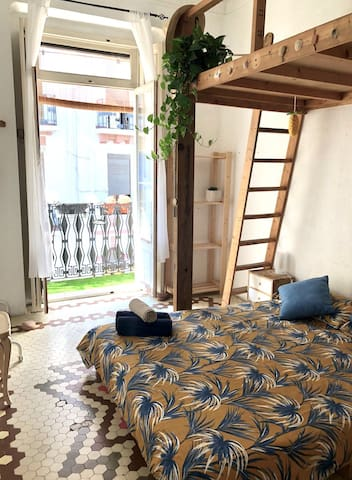 Lovely cozy room in the coolest Valencia's area. 3