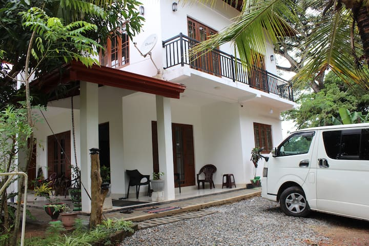 White House -Srilanka tourist board approved