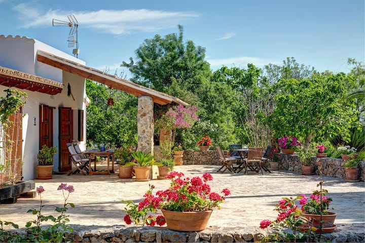 Fantastic Finca Son Mulet with Pool, Aircondition, Garden, Terrace & WLAN; Parking Available