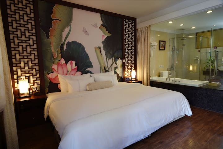 【lili house】阳朔西街\四合院特色民居/中式大床房·无阳台(king bed room)