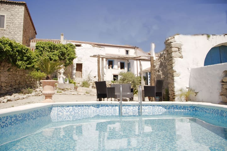 Historical Villa with Garden, Pool & Terrace; Parking Available, Pets Allowed