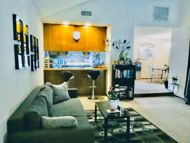 Private room in Stockton near Delta college & UOP