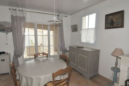 Villa dans le centre village - Loix