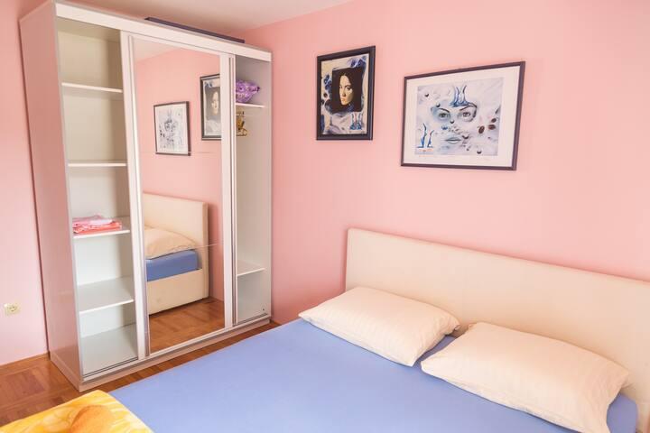 Apartment Budva      (free parking)