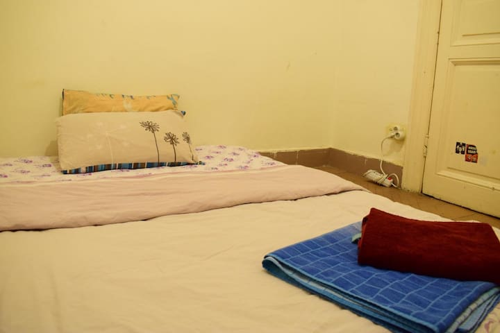 Cute small room, so close to Taksim