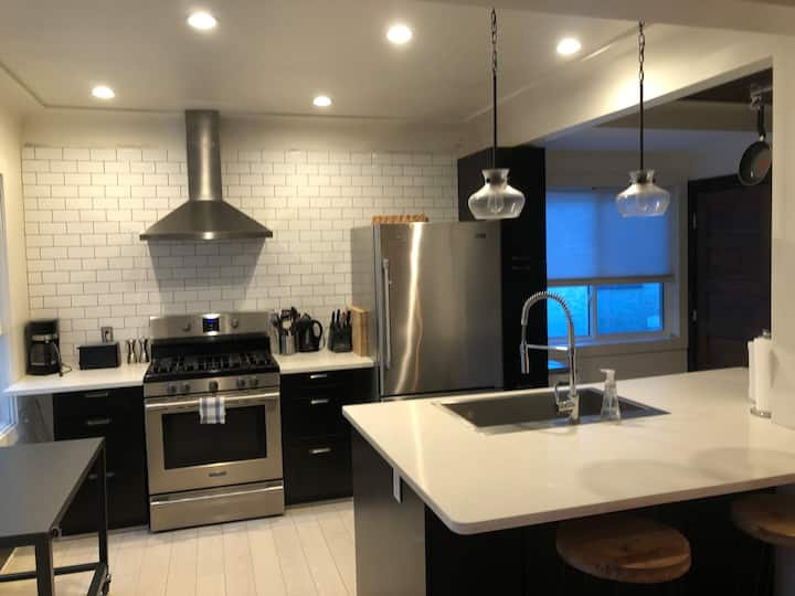 3 Bedroom Renovated Home in Old Strathcona