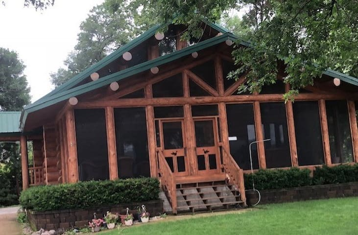 Log Cabin on the Mississippi River