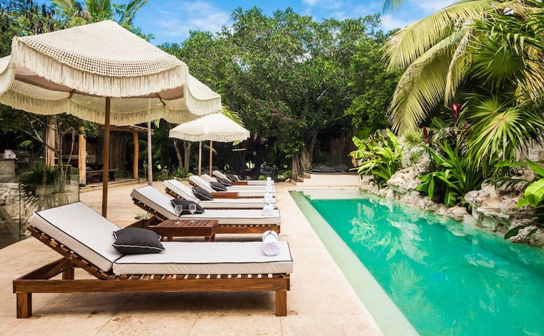 Casa Cenote - Luxury 5BR walk to beach