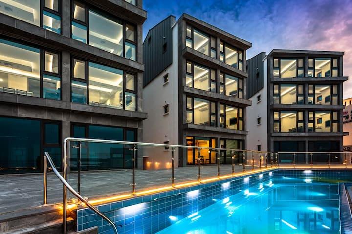 10. penthouse, 야외수영장, 바다전망, 공항에서10분대