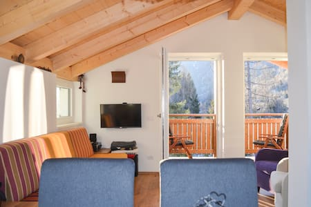 Dolomites, cmountain view apartment, Val di Fiemme - Bellamonte