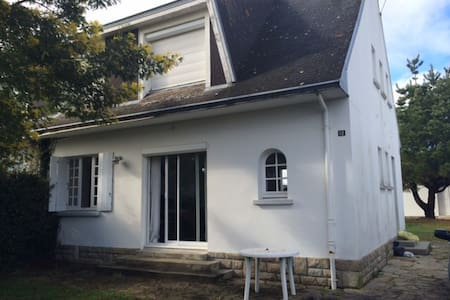Agréable maison de vacances à 200 m de la plage - Île-Tudy - Hus