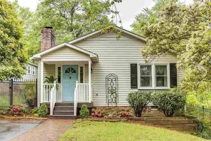 Cozy Overbrook Cottage (Convenient to Downtown) - Greenville - Apartament