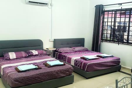 2B HENGLONG GUEST HOUSE (ROOM 6)@SIMPANG RENGGAM