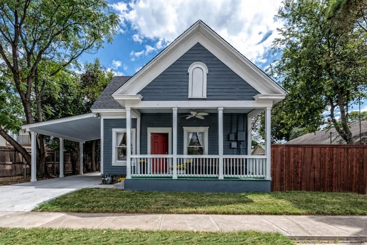Waco's Most Adorable Farmhouse! ~ BU Bubble Locale