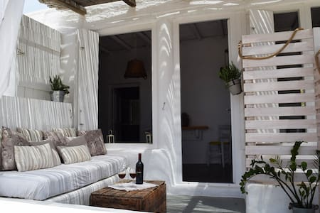 Traditional Cottage Apartment in Paros Countryside