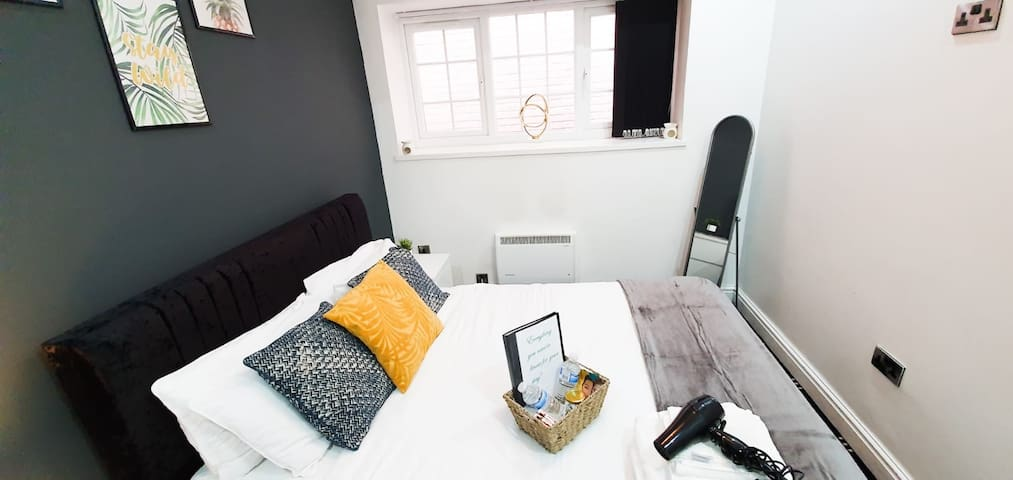 Clean-self isolation 1 Bed Flat -Sleeps 4