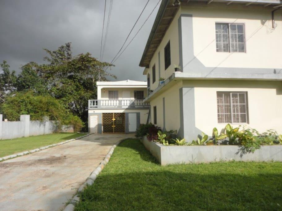 Brumalia garden mandeville apartments for rent in mandeville manchester parish jamaica for 2 bedroom apartment for rent in mandeville jamaica