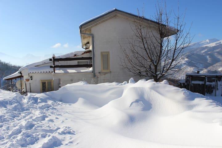 Graziosa Casetta vista Gran Sasso - Rocca Santa Maria - House