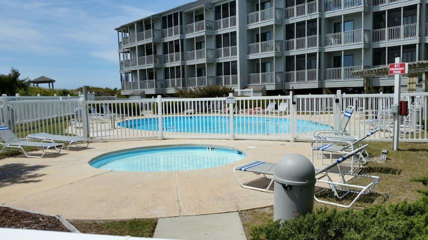 Oceanfront Condo w/ Southern Charm & Style - Atlantic Beach - Kondominium