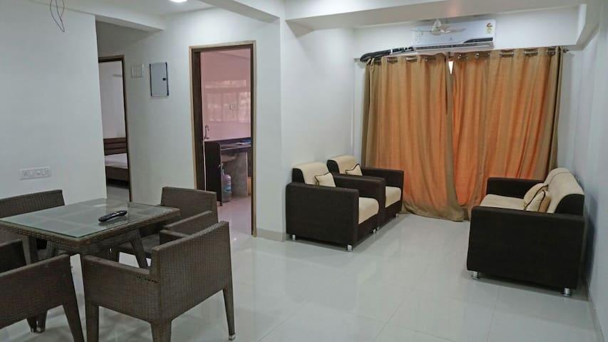 YT APARTMENT 201 - Mumbai - Apartment