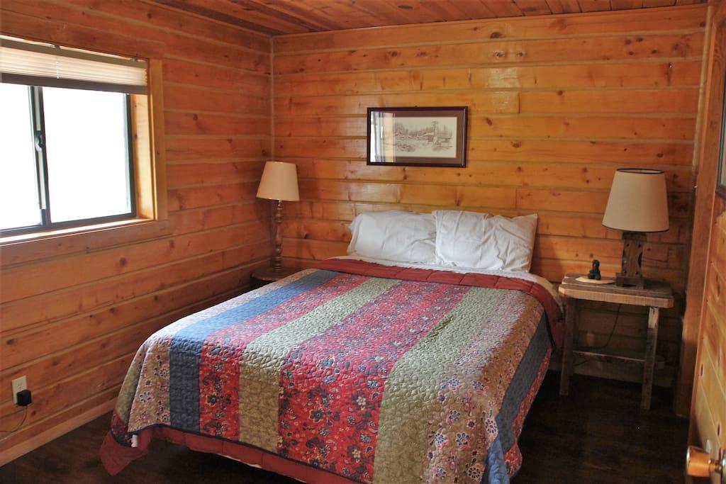 Queen size bedroom in cabin #3