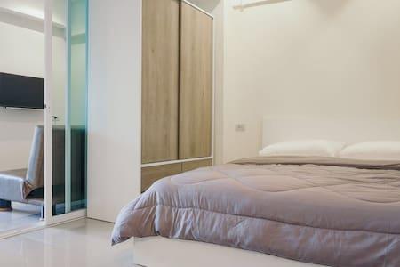 Srithana1  room 206