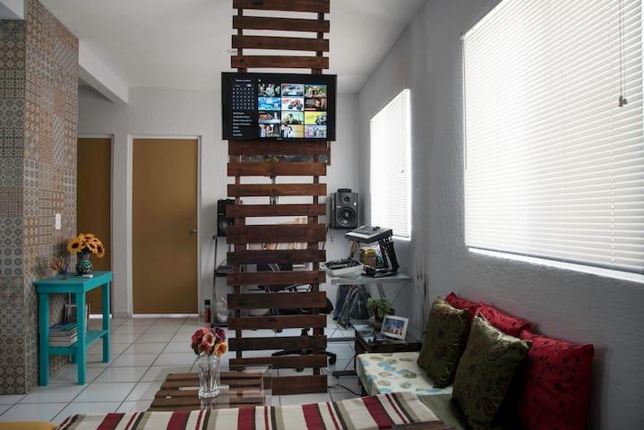 Televisión inteligente en la sala / Living room smart tv
