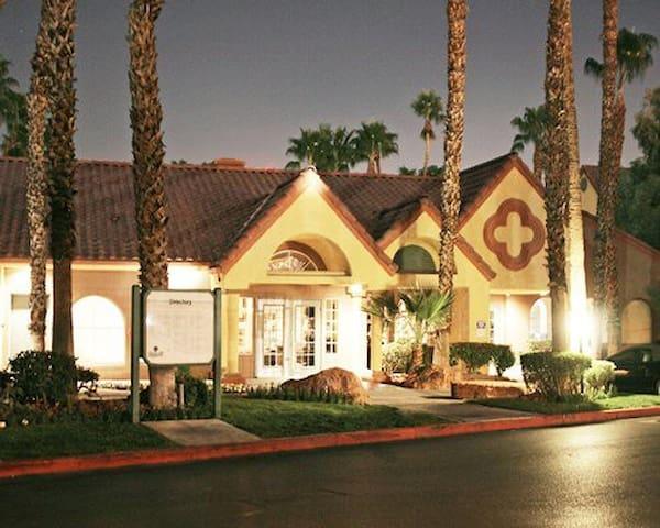 Holiday Inn Club at Desert Resort - Las Vegas - Apartment
