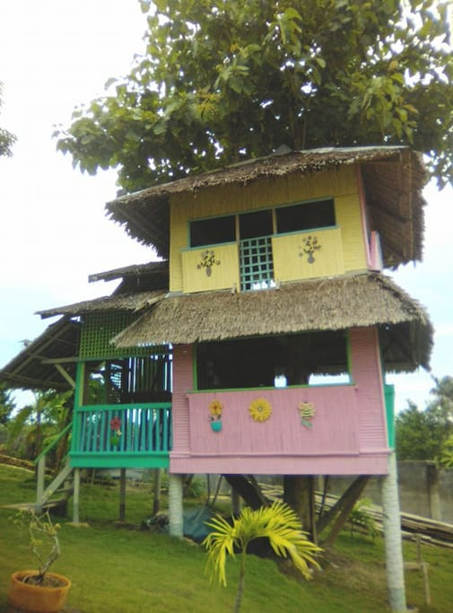 Tree House Php1,000, 30 guests