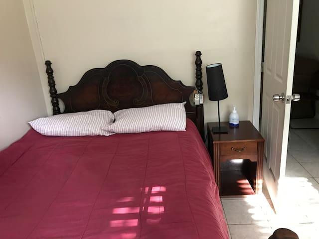 Exclusive BEDROOM in Fairburn